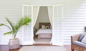 Mahalo House - Outdoor Setting