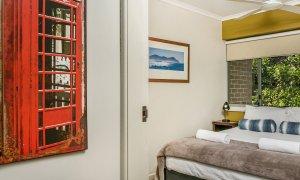 7 James Cook Apartment - Bedroom