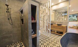 Apalie Retreat - Ewingsdale - master ensuite bathroom