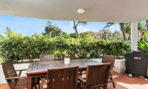 Apartment 1 Surfside - Byron Bay - Front Verandah a