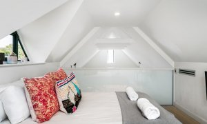 Arya - Byron Bay - Loft Bedroom d