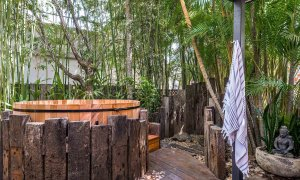 Arya - Byron Bay - Outdoor Shower and Spa b