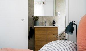 Baby Blue - Byron Bay - Bedroom 1 looking into ensuite