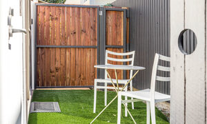 Bahari Studio - Byron Bay - Outdoor Seating Area b