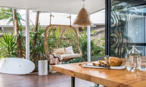 Bangalow Palms - Byron Bay - Dining Area Looking Out to Pool Deck