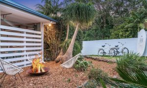Bangalow Palms - Byron Bay - Front Garden and Fire Pit at Dusk Fire