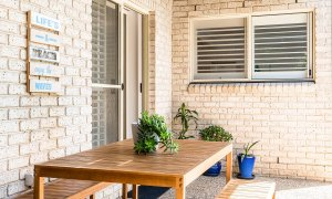 Boulders Retreat - Lennox Head - Entrance and Outdoor Table