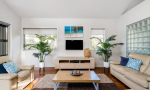 Byron Beach Style - Byron Bay - Upstairs Lounge