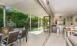 Byron Beach Style - Downstairs Living and Lower Deck Area