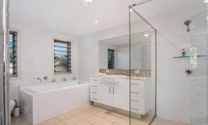 Byron Beach Style - Downstairs Bathroom