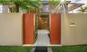 Byron Beach Style - Entrance Gate - Hero