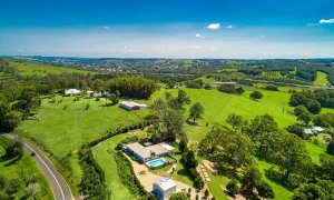 Byron Hills Hinterland Retreat - Byron Bay - Aerial View b