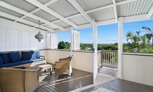 Byron View - Clarkes Beach - Front Deck West