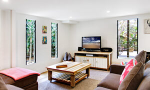 Jimmy's Beach House - Living Area