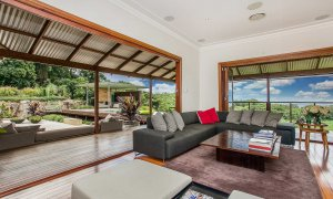 Callistemon View - Byron Bay Hinterland - Federal - lounge to deck area