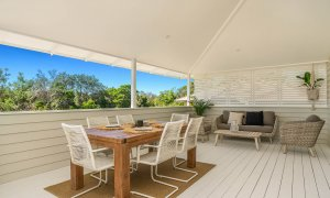 Castaway on Tallows - Byron Bay - Alfresco Dining Area on Balcony