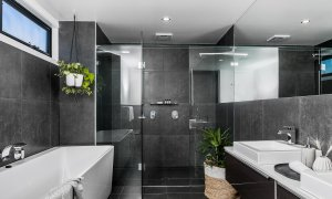 Catalinas - Byron Bay - Ensuite Bathroom a