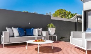Catalinas - Byron Bay - Rear Outdoor Seating Area a