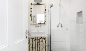Cavvanbah Seaside Cottage - Byron Bay - Bathroom ensuite b