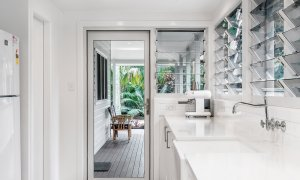 Cavvanbah Seaside Cottage - Byron Bay - Kitchen alcove