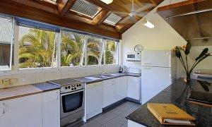 Clarkes Beach Villa - Kitchen
