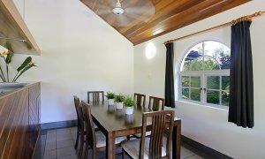 Clarkes Beach Villa - Dining