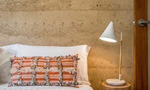 Hinterland Harmony - Queen room cushion lamp