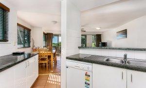 Apartment 1 Surfside - Main Beach - Byron Bay - Kitchen