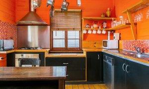 Bangalow Bungalow - Kitchen