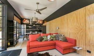 PT's - Resort Style Luxury - Kitchen & Living Area