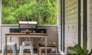 Byron Creek House - Outdoor Setting & BBQ