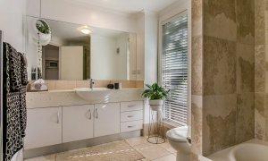 Ivory Villas - Bathroom