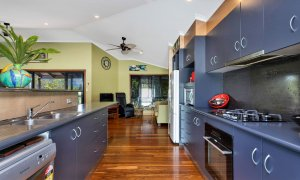 Jannah - Lennox Head - Kitchen to sitting area
