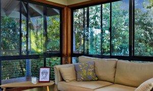 Jannah - Lennox Head - Corner lounge with tropical view