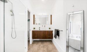 Julian Rocks House - Byron Bay - Ensuite Bathroom