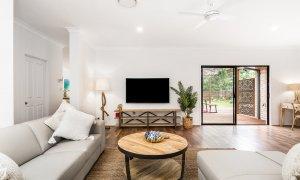 Julian Rocks House - Byron Bay - Lounge b