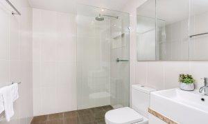 Kiah Beachside - Belongil Beach - Byron Bay - Downstairs bathroom