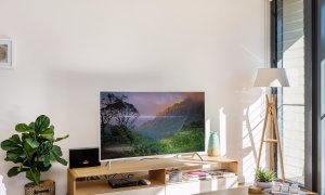 Kiah Beachside - large curved screen TV