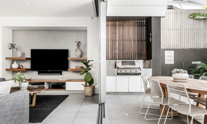 Kokos Beach House 1 - Byron Bay - Lounge and outdoor dining