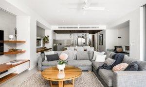 Kokos Beach House 2 - Byron Bay - Lounge Towards Kitchen