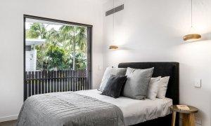 Kokos Beach House 2 - Byron Bay - Master Bedroom Poolside a