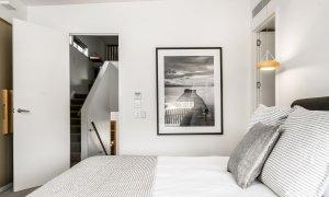 Kokos Beach Houses - Byron Bay - Master Bedroom on Landing d