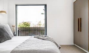 Kokos Beach House 2 - Byron Bay - Master Bedroom on Landing f