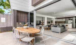Kokos Beach House 2 - Byron Bay - Outdoor Dining and Lounge