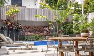 Kokos Beach House 2 - Byron Bay - Outdoor Dining and Pool Area