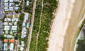 Kokos Beach Houses - Byron Bay - Aerial Straight Down to All Kokos and Beach
