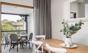 Luxe & Bloom - Brunswick Heads - Dining Area Looking to Balcony