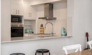 Ocean Walk - bar style setting into kitchen