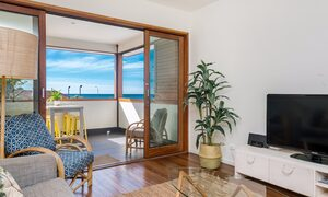 Quiksilver Apartments - The Pass - lounge
