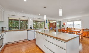 Sea Breeze - Lennox Head - Kitchen to Dining